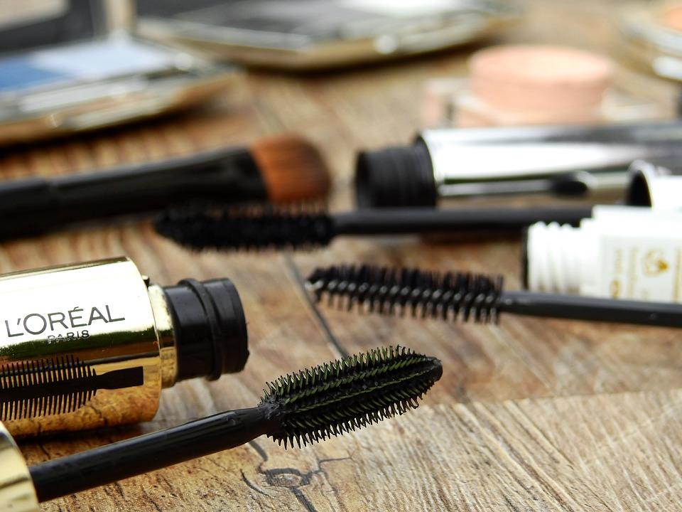 cosmetics-2116398_960_720-286-1